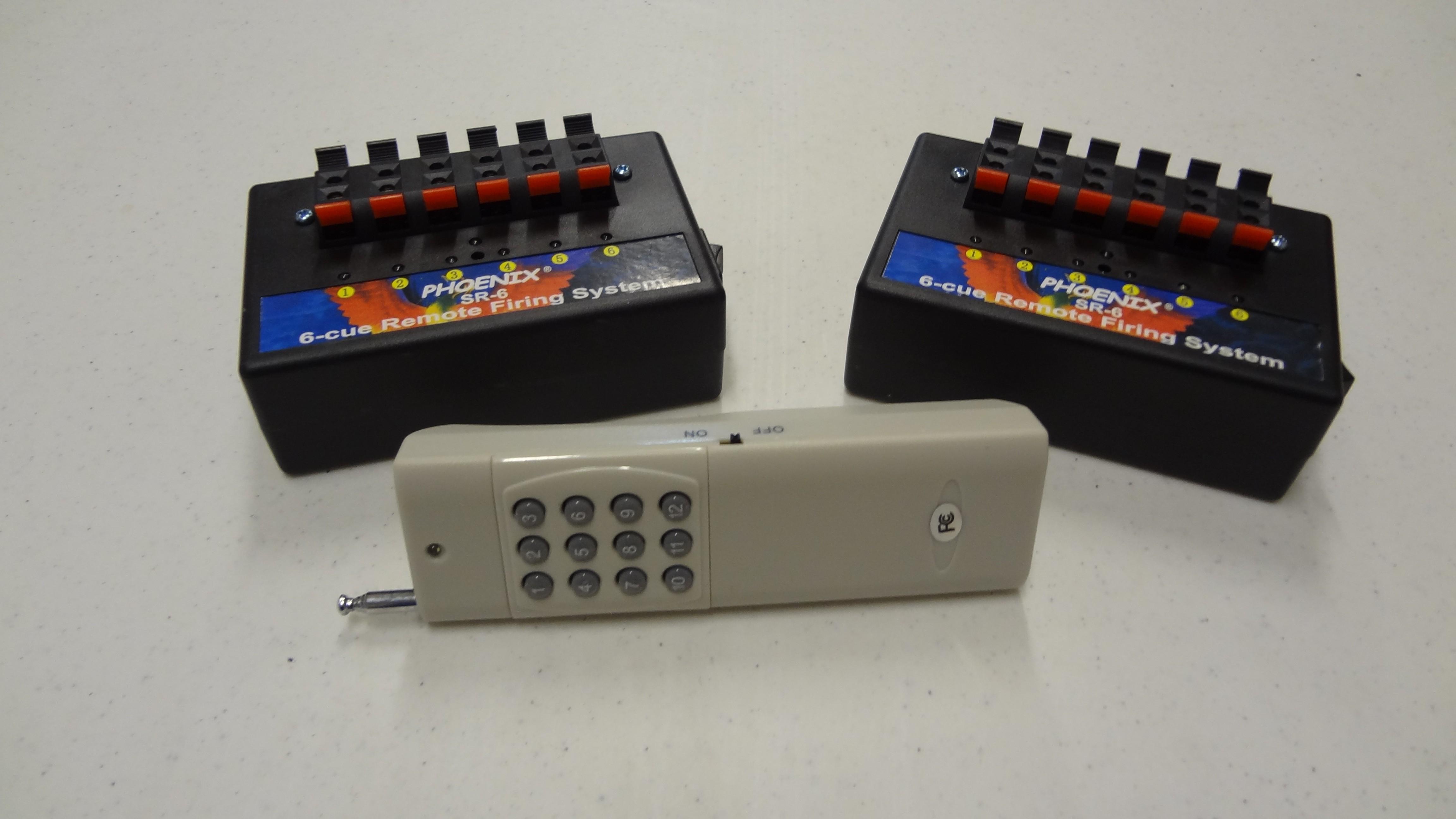 NEW!!  Phoenix SR-6x2 12cue Firing System